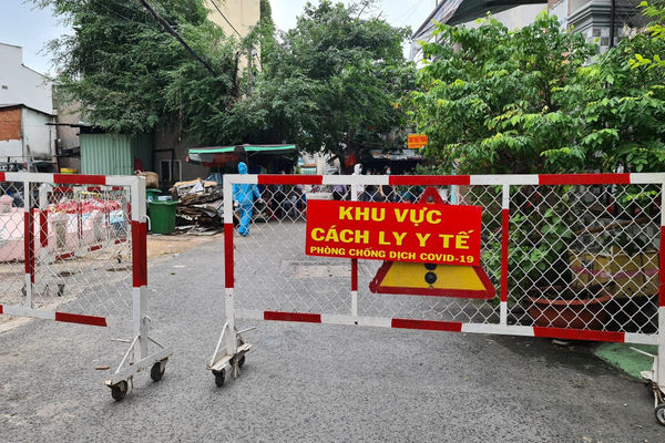 Việt Nam có thêm 9.373 ca mắc COVID-19