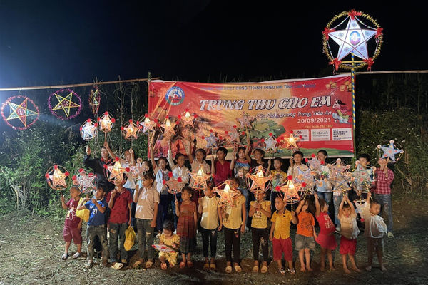 Cao Bằng: Mang Tết Trung thu đến với trẻ em vùng đồng bào dân tộc thiểu số