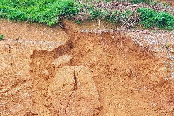 Ninh Bình: Sơ tán người dân khẩn cấp, tránh sạt lở đất
