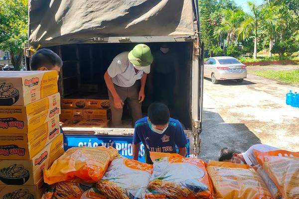 Thanh Hóa: Hỗ trợ gạo cho các hộ bảo vệ, phát triển rừng ở huyện Mường Lát
