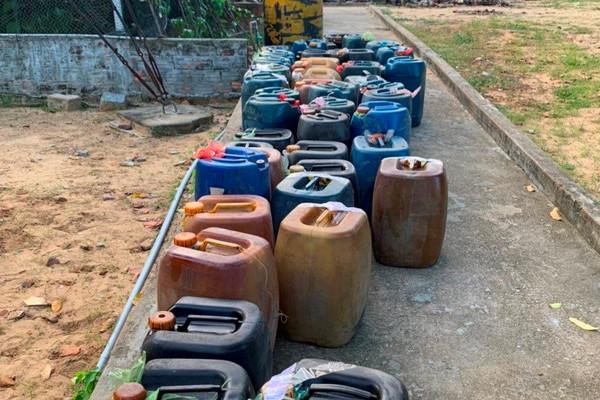 Quảng Ngãi: Phát hiện 1.500 lít dầu DO không rõ nguồn gốc