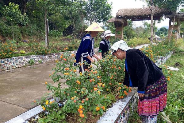 Phụ nữ Lai Châu chung tay bảo vệ môi trường xanh sạch đẹp