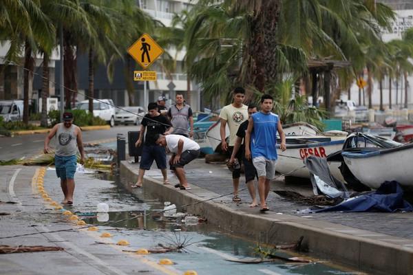 Bão Pamela ở Mexico gây đe dọa lũ lụt khi chuyển hướng đến Mỹ