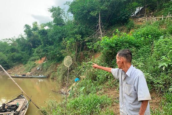 """Quảng Nam: Sông Thu Bồn """"ăn đất"""", sạt lở sát vách nhà dân"""