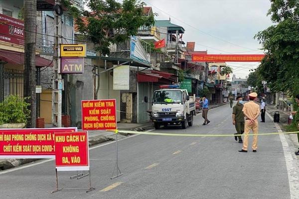 Nam Định: Xuất hiện chùm ca bệnh Covid-19 lây từ người đi khám bệnh tại tỉnh Ninh Bình
