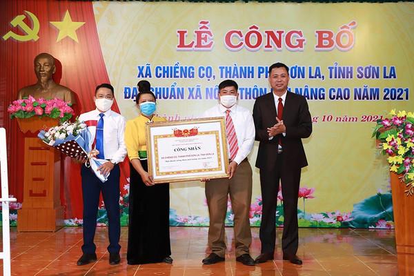 Sơn La: Công bố xã Chiềng Cọ đạt chuẩn nông thôn mới nâng cao