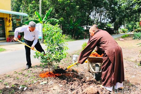 Củ Chi (TP.HCM): Phát huy vai trò đoàn kết lương – giáo trong công tác bảo vệ môi trường