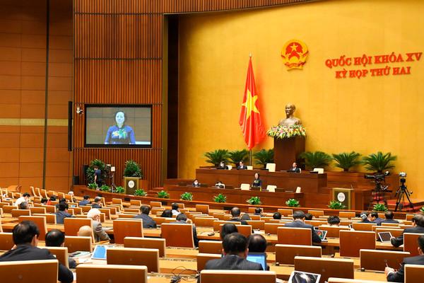 Bộ trưởng Bộ Nội vụ làm rõ một số vấn đề về dự án Luật Thi đua, Khen thưởng (sửa đổi)
